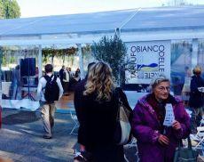 Lo Square Food della Mostra Mercato del Tartufo Bianco in Piazza Gramsci, l'area dove sorgerà il nuovo parcheggio di San Giovanni d'Asso