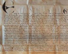 Una delle 1.255 pergamene del Diplomatico di Montalcino (copertina del libro di Maria Assunta Ceppari Ridolfi e Patrizia Turrini)