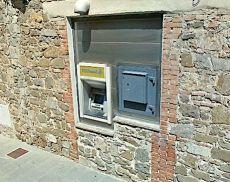 L'Atm dello sportello postale di Montalcino