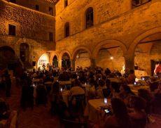 Un'immagine di un concerto del Jazz & Wine in Montalcino