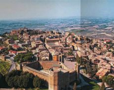 Montalcino, destino d'eccellenza in nome del Brunello. Il reportage del Gambero Rosso