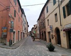 Via Matteotti insolitamente deserta