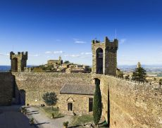 Una veduta dell'interno della Fortezza di Montalcino