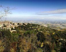 Città e campagna: le due facce del territorio di Montalcino