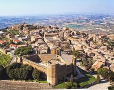Veduta aerea di Montalcino
