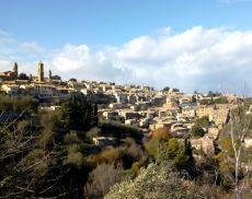 Una panoramica di Montalcino