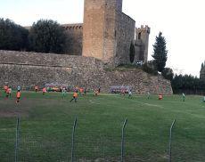 Una partita di calcio del Montalcino al Soccorso Saloni