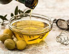L'olio è uno dei prodotti simbolo della Toscana