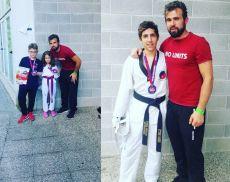 Il maestro Behar Berisha con i giovani atleti che hanno vinto una medaglia a Riccione