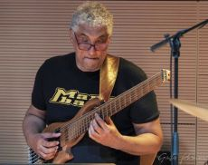 Alfredo Paixao, vincitore di 4 Grammy Awards e bassista storico di Pino Daniele