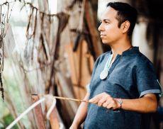 Il compositore, batterista e cantante messicano Israel Varela