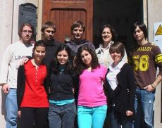 Silvia Tegli con i ragazzi del Lambruschini in una foto di archivio