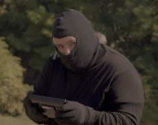 In The Wine Spies, regia di Lino Pujia, il protagonista è il celeberrimo sommelier e ormai attore Charlie Arturaola