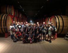 Foto di gruppo con le Lady Bike alle cantine Ciacci Piccolomini d'Aragona