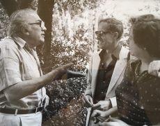 Federico Fellini alla Fattoria dei Barbi (a destra Francesca Colombini Cinelli)