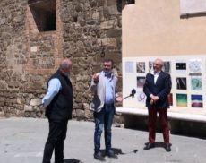 Il sindaco di Montalcino Silvio Franceschelli e il presidente del Consorzio del Brunello Fabrizio Bindocci al TGR Rai Toscana