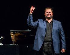 Il grande tenore Celso Albelo terrà la prima masterclass della sua carriera al Festival Solo Belcanto 2019